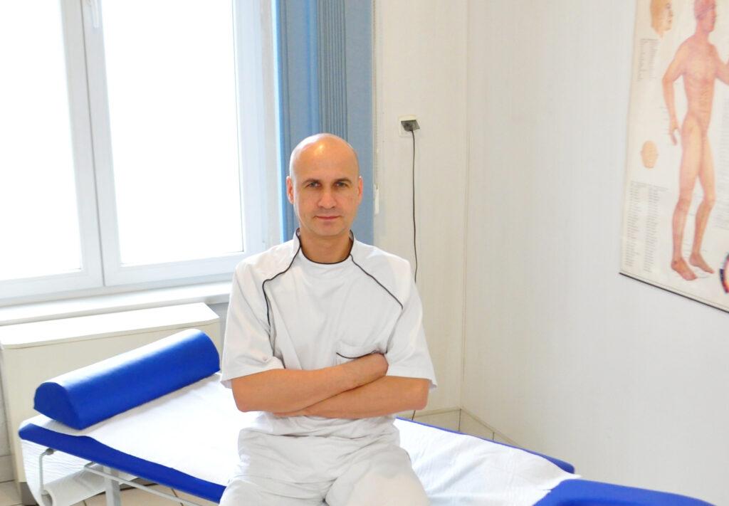 Krzysztof Skwark   Zabiegi Lecznicze   Wrocław